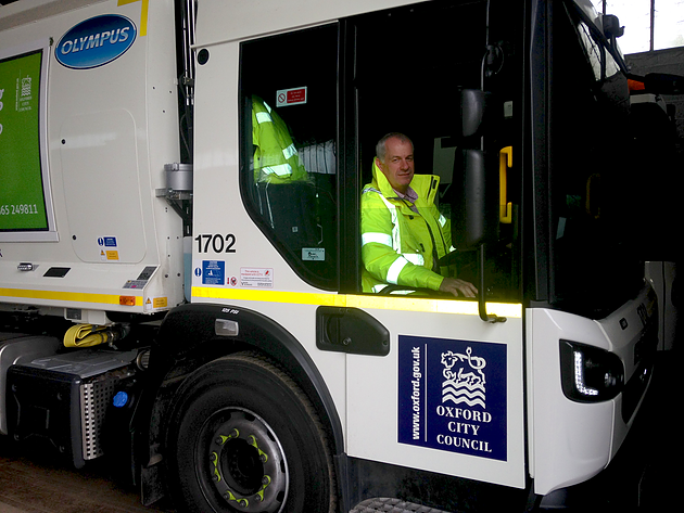 Oxford refuse collection truck